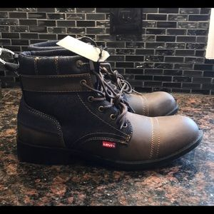 New Levi's brown and denim comfort sole boots 9.5